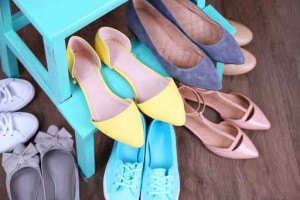 Shoe shelf with women shoes